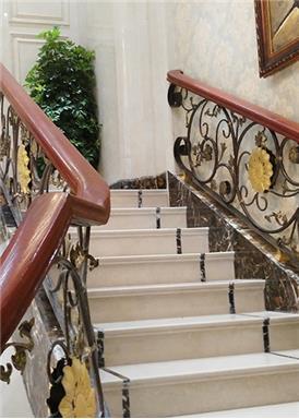 常州铁艺楼梯扶手的安装步骤