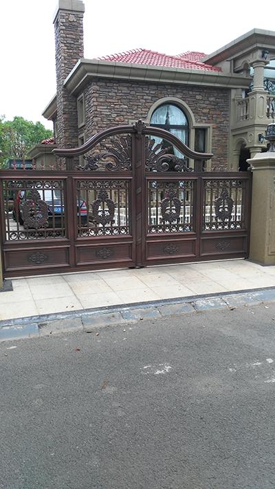 铁艺护栏大门的制造过程